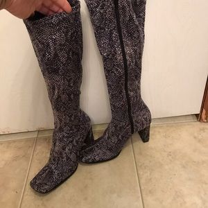 Chinese Laundry Snakeskin Knee High Boots 8 💕